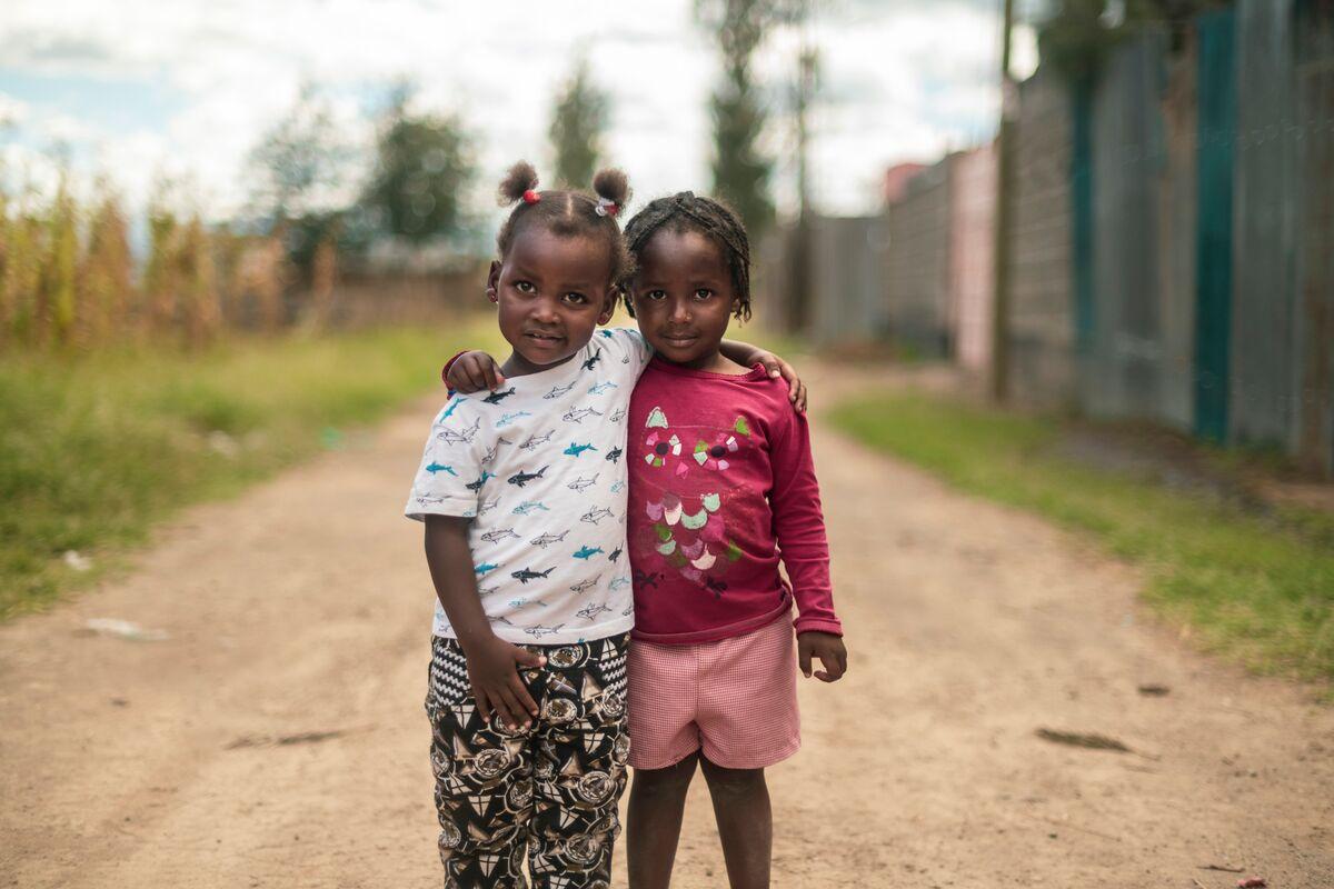 Kinderfreundschaft in Afrika